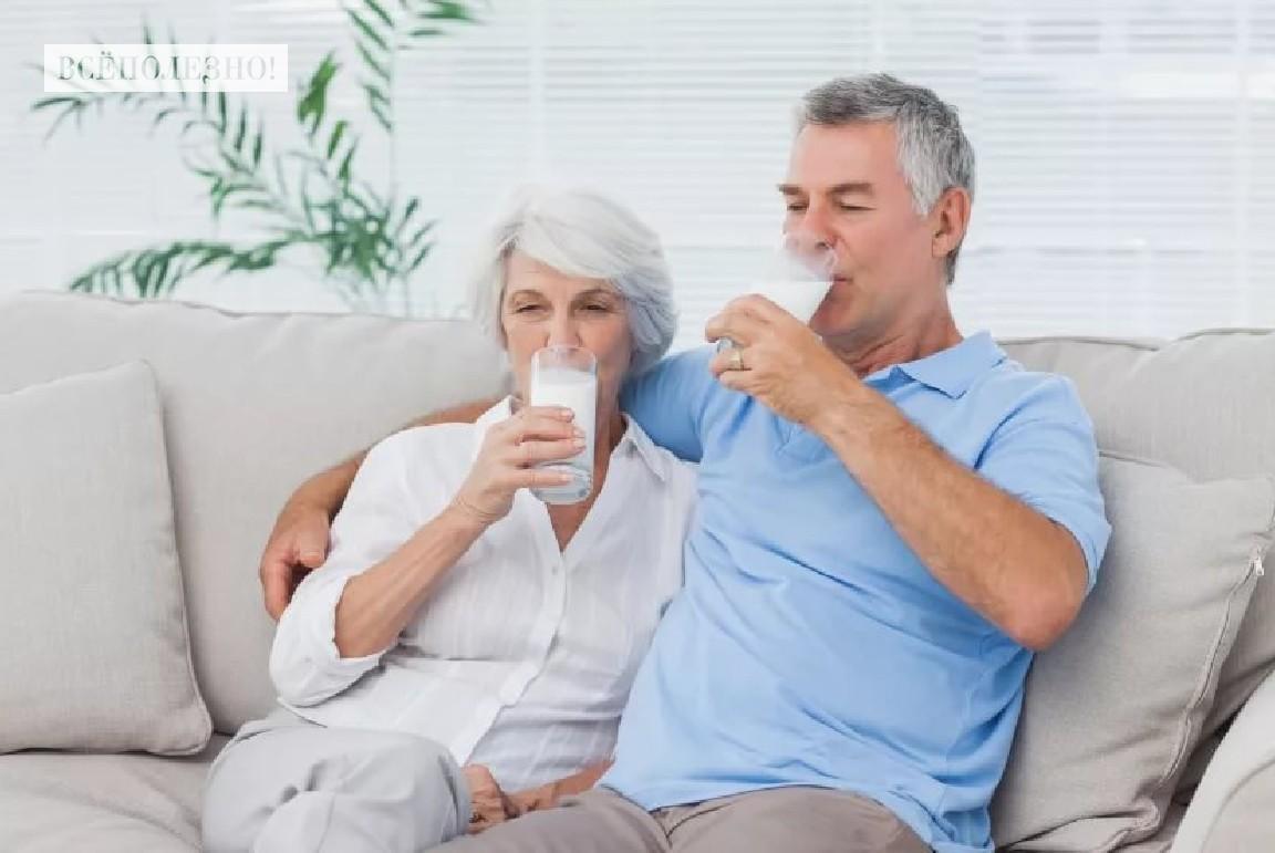Молоко для пожилых людей: польза и вред